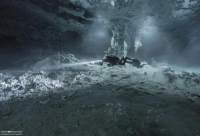 Метод подводной съёмки в пещерах без вспышек