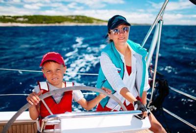 Семейный лагерь на яхтах: Академия Юных Мореплавателей в Италии и Черногории.