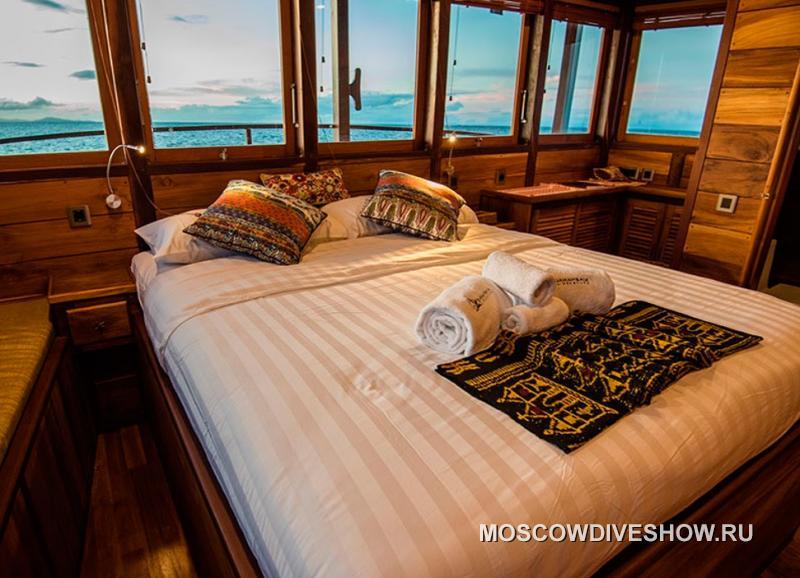 (Новинка). Индонезия. Яхта  MV Samambaia 5*